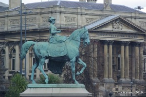 Victoria statue at St. George's Hall
