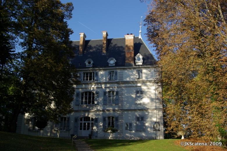 Chateau Divonne, que fica na França, mas a 15 min. de Genebra
