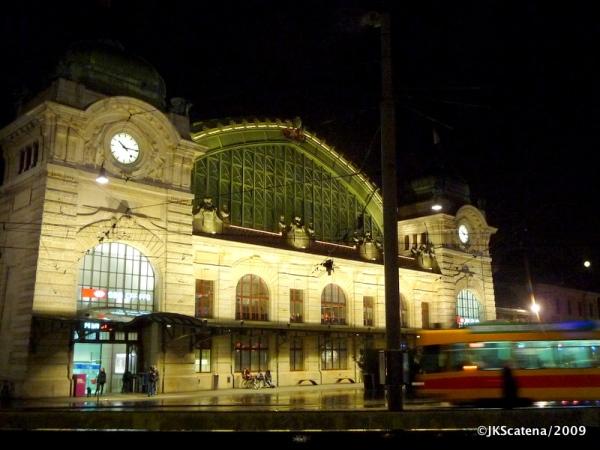 Estação Central da Basiléia – Basel BSB – na noite em que chegamos