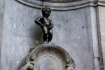 Manneken Pis é um monumento ideal da cidade que se gaba de ter as melhores cervejas da Europa