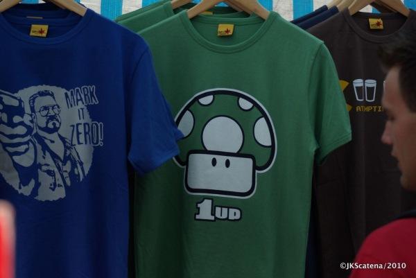 London: Portobello Market - T-Shirts
