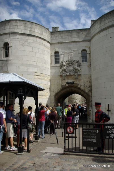 London: Tower of London - Entrance