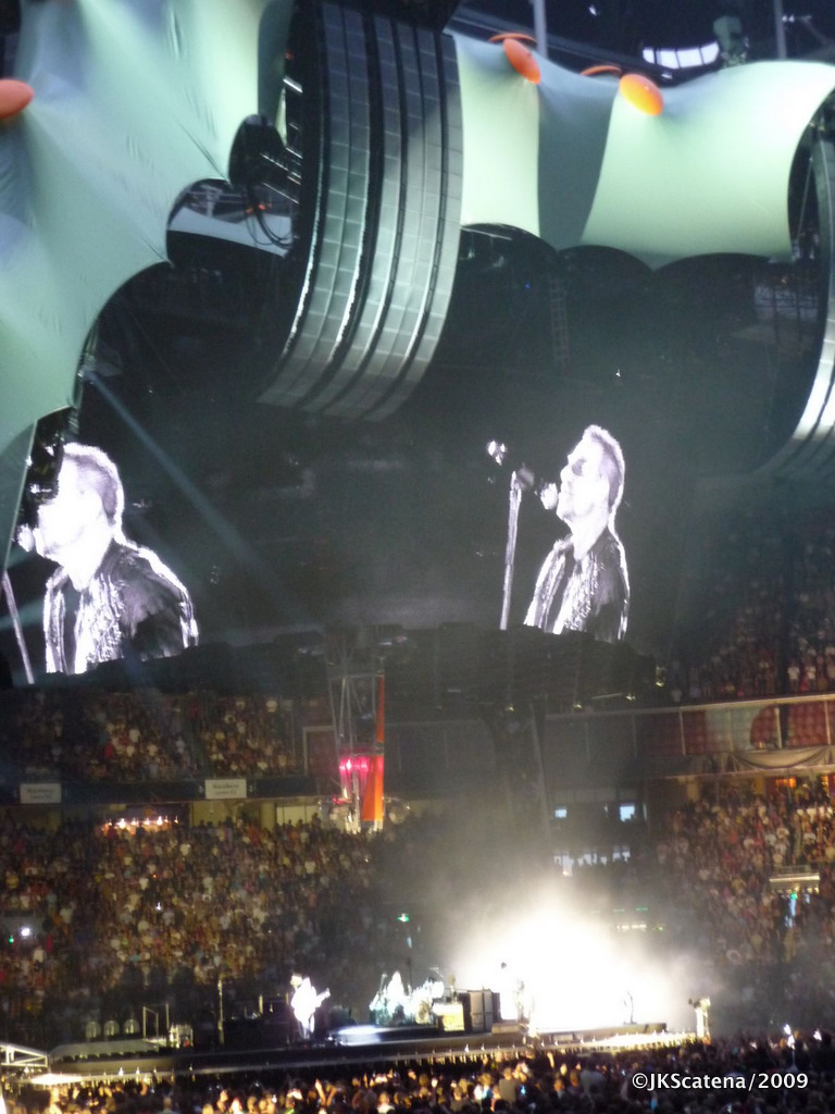 U2 @ Amsterdam: Breathe