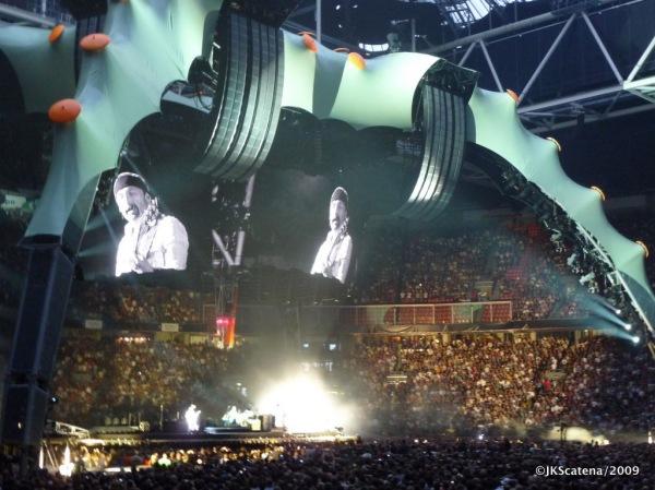 U2 @ Amsterdam: Stage