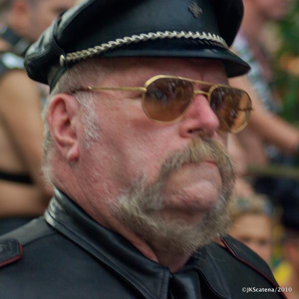 Paris-Gay_Pride-2010-06