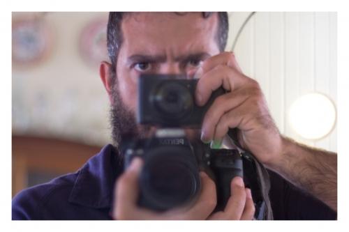 Duas fotografias em um tempo: eu, minha Canon e minha Pentax
